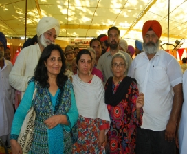 Daughter Of Sayadatt Hussan Manto With S. Gurvir Singh Shahi & S. Birdavinder Singh (state Leader)